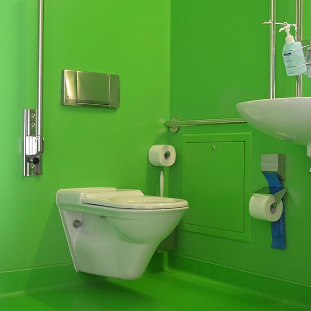 Baños Adaptados A Personas Mayores:Baño adaptado para personas de movilidad reducida Centro Rehab Basel